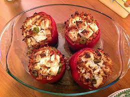 cuisiner les poivrons poivrons farcis aux pâtes grecques recette pâtes grecs poivrons