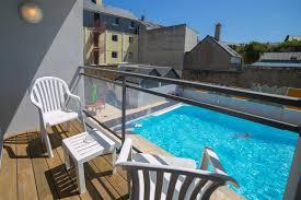 hotel piscine dans la chambre chambre ou vue piscine chambres vue mer camaret