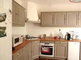 peinture cuisine bois repeindre une cuisine en bois massif une cuisine rustique
