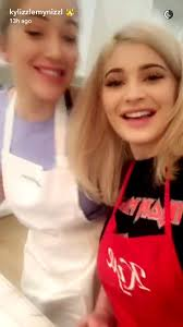 thanksgiving belly stuffing story kylie jenner hosts epic friendsgiving see all the pics