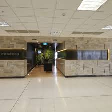 who can access the american express sydney airport lounge