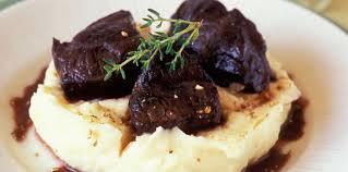 comment cuisiner la joue de boeuf joue de boeuf en daube provençale purée de pomme de terre