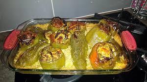cuisiner des poivrons verts recette de gratin de riz et poivrons verts farcis aux épices