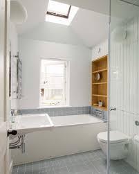 badezimmer klein moderne kleine moderne badezimmer mit gartenmöbel rattan design