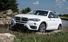 bmw jeep 2017 comparison jeep cherokee 2017 vs bmw x6 xdrive50i 2017 suv
