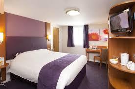Premier Inn Edinburgh City Centre Princes Street Hotel UPDATED - Edinburgh hotels with family rooms