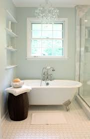 Flooring Ideas For Bathrooms by Best 20 Small Bathroom Paint Ideas On Pinterest Small Bathroom