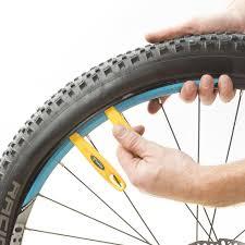 comment changer une chambre à air comment choisir ses pneus vtt alltricks