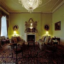 House Chandelier Snp Leader Nicola Sturgeon S Chandelier May Been Looted By