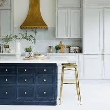 which material is best for kitchen cabinet kitchen cabinets what to look for when buying your units