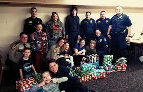 2016 cops and kids shopping for christmas program starbuck