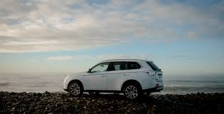 mitsubishi white experience practicality and style in the mitsubishi outlander
