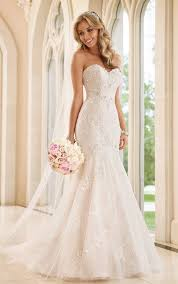 fitted wedding dresses fit and flare wedding dress stella york wedding gowns