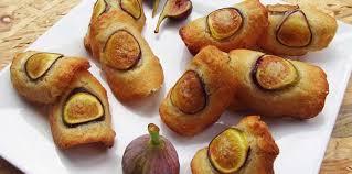 cuisiner les figues fraiches tuiles d amandes aux figues fraîches recette sur cuisine actuelle