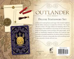 writing paper set outlander deluxe stationery set insight editions 9781683831495 outlander deluxe stationery set insight editions 9781683831495 amazon com books
