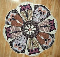 quilted placemats for round tables round quilted table topper patterns an owl in the round table