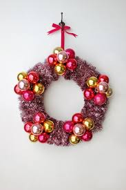 flower bauble wreath diy smile and wave