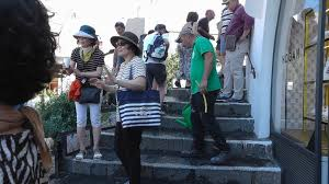 foto bagnate scale bagnate per evitare bivacchi di turisti press