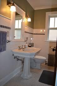 bungalow bathroom ideas best 25 craftsman bathroom ideas on craftsman showers