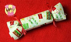 how to make a christmas cracker bon bon easy bonbon party favor