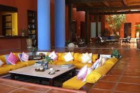 salon canapé marocain le canapé marocain qui va bien avec votre salon archzine fr