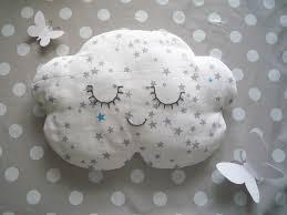 decoration nuage chambre bébé chambre bebe deco nuage collection avec chambre bébé nuage photo