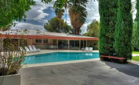 Elvis Presley Home by Elvis Presley U0027s Honeymoon Hideaway Is Up For 6 93 Million