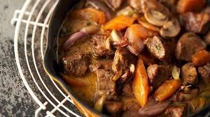 cuisiner le collier de veau recette de sauté de veau parfumé au cognac l express styles