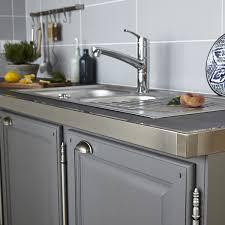 rénover plan de travail cuisine carrelé concept de rénovation de plan de travail réno plan aluminium brossé