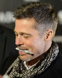 brad pitts haircut in seven brad pitt i love how he holds the pen signing autographs for