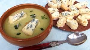 cuisine auvergne crème de panais au bleu d auvergne recette entrées chaudes