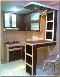 Kitchen Set Minimalis Untuk Dapur Kecil Desain Dapur Kecil Dengan Mini Bar Desain Rumah Minimalis