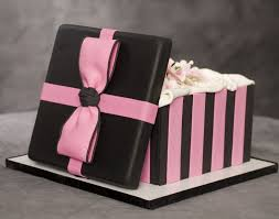 the 25 best gift box cakes ideas on beautiful
