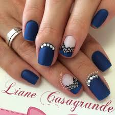 gorgeous and simple nail art design for girls