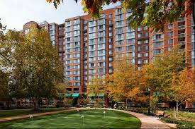 apartments for rent in arlington va meridian at courthouse commons