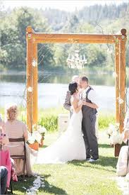 backdrops for weddings decorating outdoor wooden wedding backdrops 20