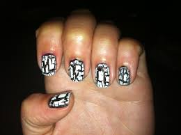 how crackle nail varnishes work the science informant