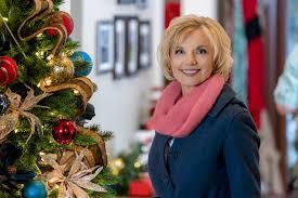teryl rothery as mable on a bramble house christmas hallmark