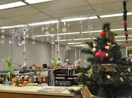 home decoration wholesale office 9 christmas decorating ideas for the office hominic