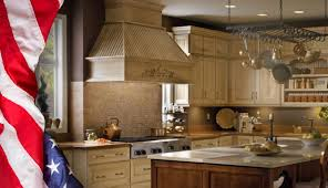 schuler kitchen cabinets schuler cabinetry at lowes american made semi custom cabinetry