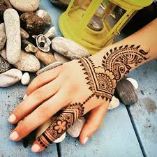 tattoo vorlage henna tattoo bei einem urlaub machen schöne ferien