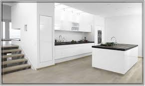 Black And White Kitchen Tile by Black Kitchen Countertops And Backsplash Tiled Kitchen Countertops