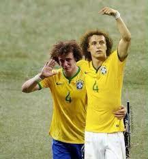 David Luiz Meme - panesportes memes david luiz leva duas canetas de su磧rez e vira