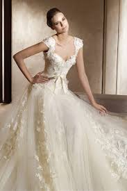 retro wedding dress and vintage wedding dress is