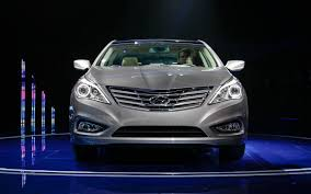 first look 2012 hyundai azera automobile magazine