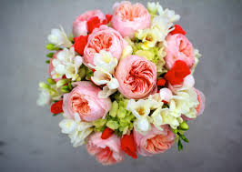 wedding flowers meaning choose wedding flowers based on their meanings weddingelation
