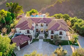 airbnb mansion los angeles take a look around drake s 10 000 night benedict canyon rental