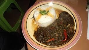 comment cuisiner des epinards sauce épinard au poisson fumé recettes africaines