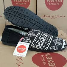 Sepatu Wakai best seller sepatu wakai batik hitam sh grade ori cwe cwo nike