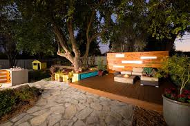 a backyard eight backyard makeovers from diy network s yard crashers yard
